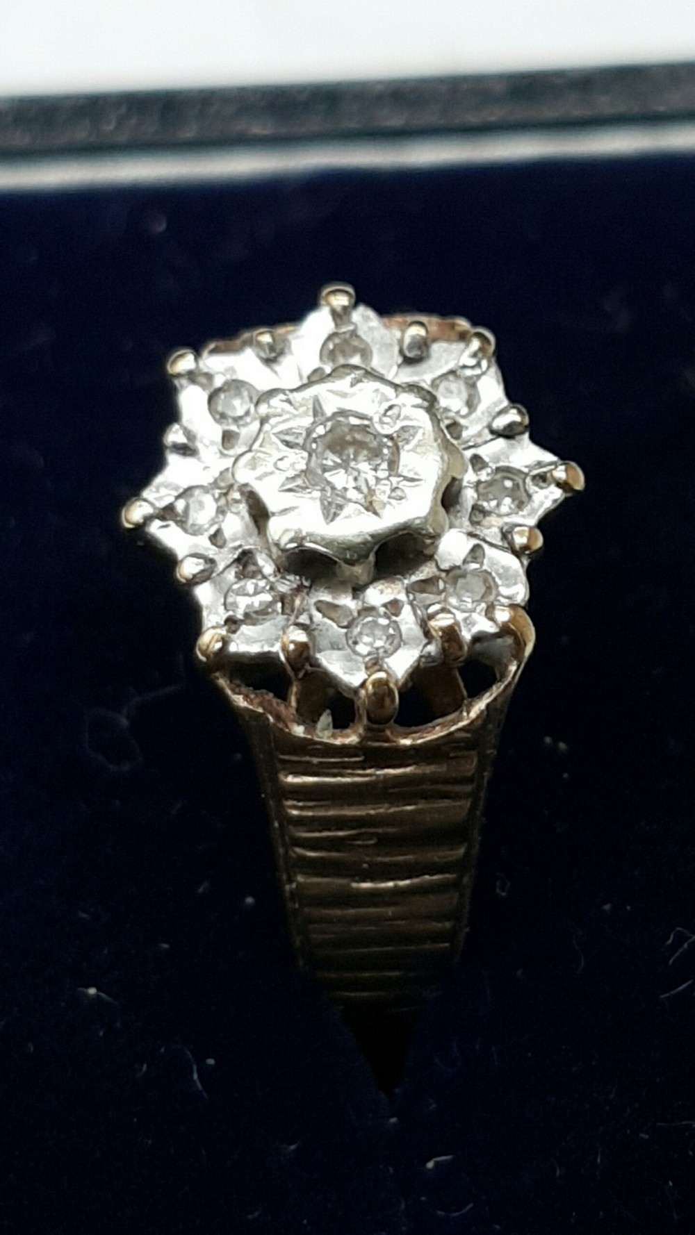 9kt gold diamond ring hallmarked sheffield 1990