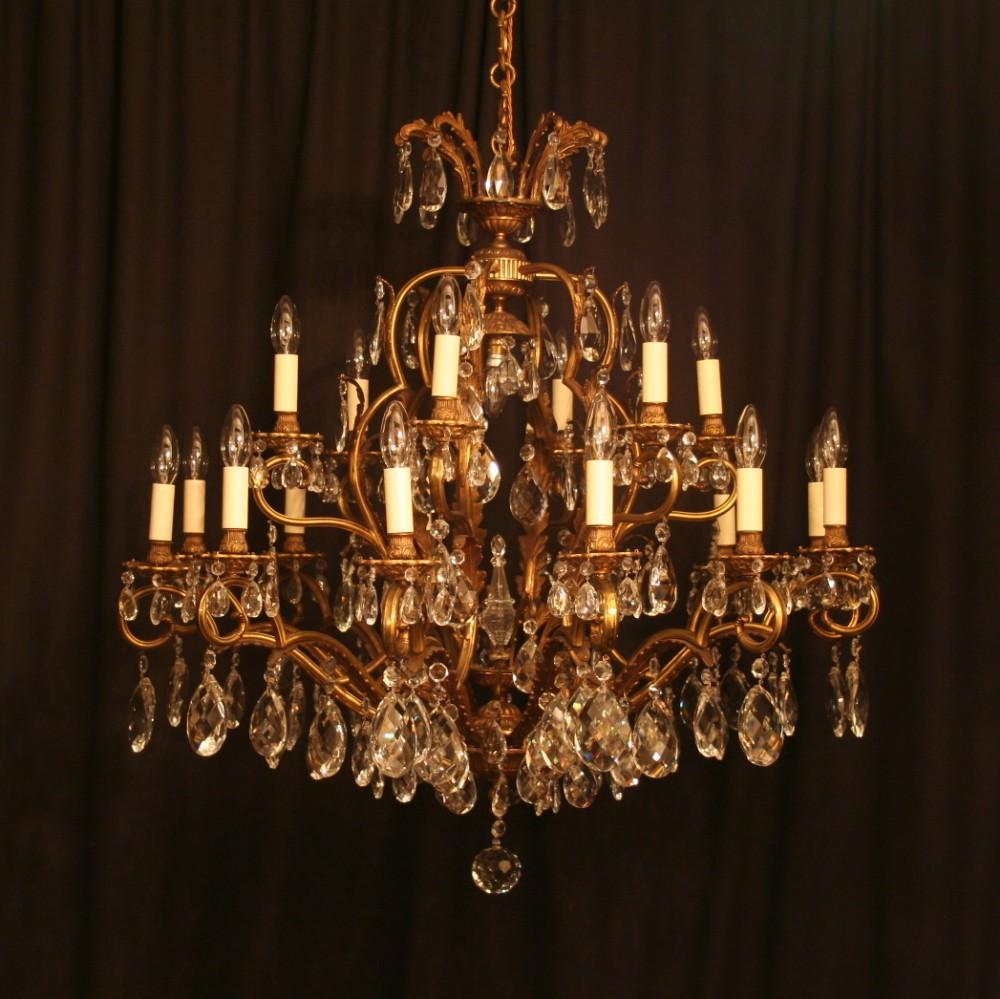 a large italian 19 light antique chandelier - A Large Italian 19 Light Antique Chandelier 244354