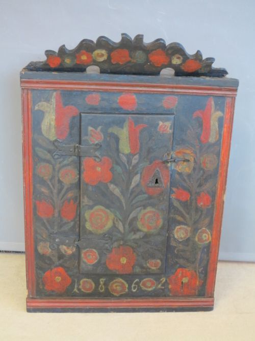 - Antique Cupboards - The UK's Largest Antiques Website