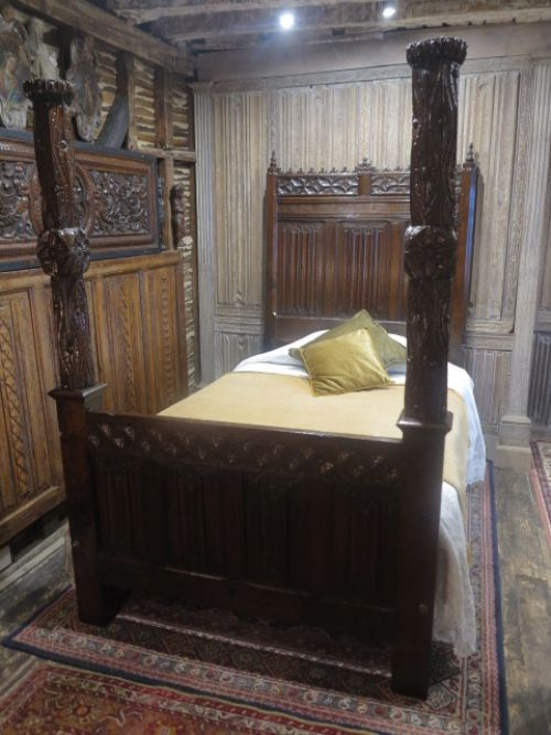 16th century gothic bed
