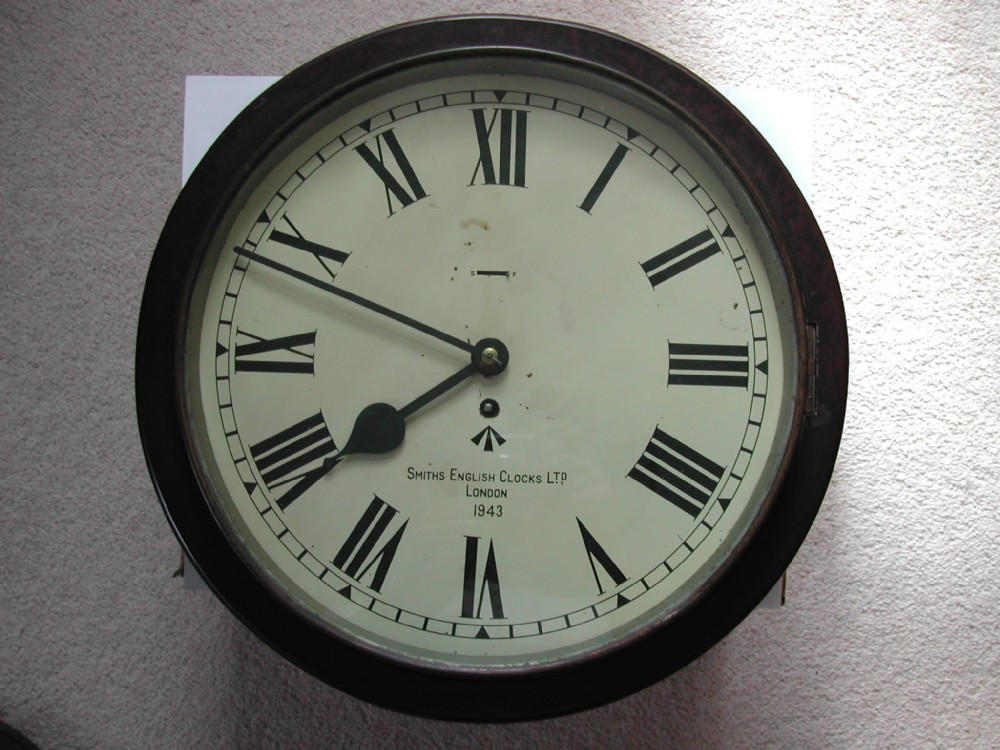 smiths army issue 14inch dial wall clock in austerity bakelite case dated 1943