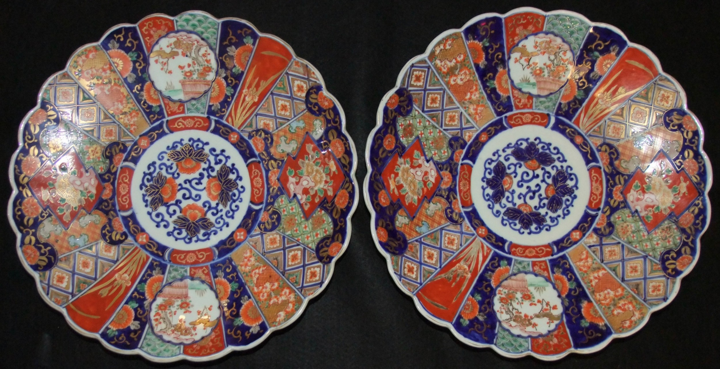 pair of large 19th c japanese meiji period imari chargers