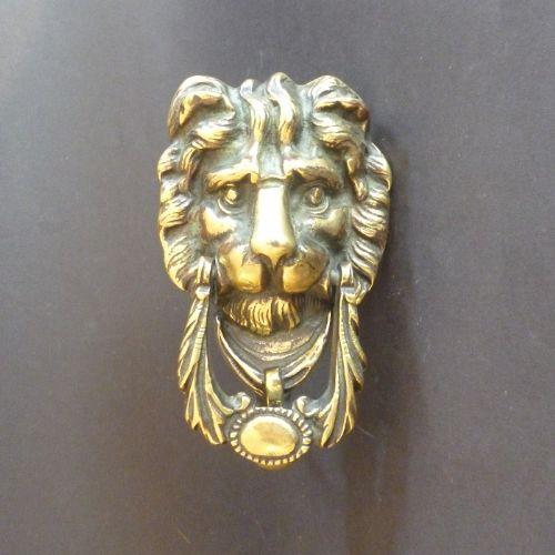 selfstriking lion mask door knocker
