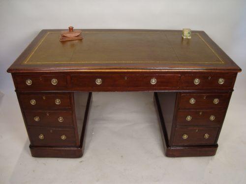 A Large Victorian Directors Desk   202504   Sellingantiques.co.uk