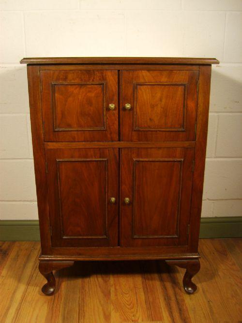 antique walnut gramophone cabinet c1920 - Antique Walnut Gramophone Cabinet C.1920 192904