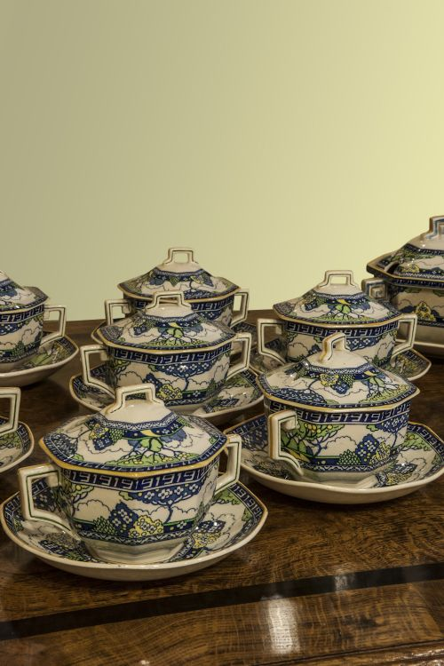 a royal doulton merryweather dinner service - photo angle #2