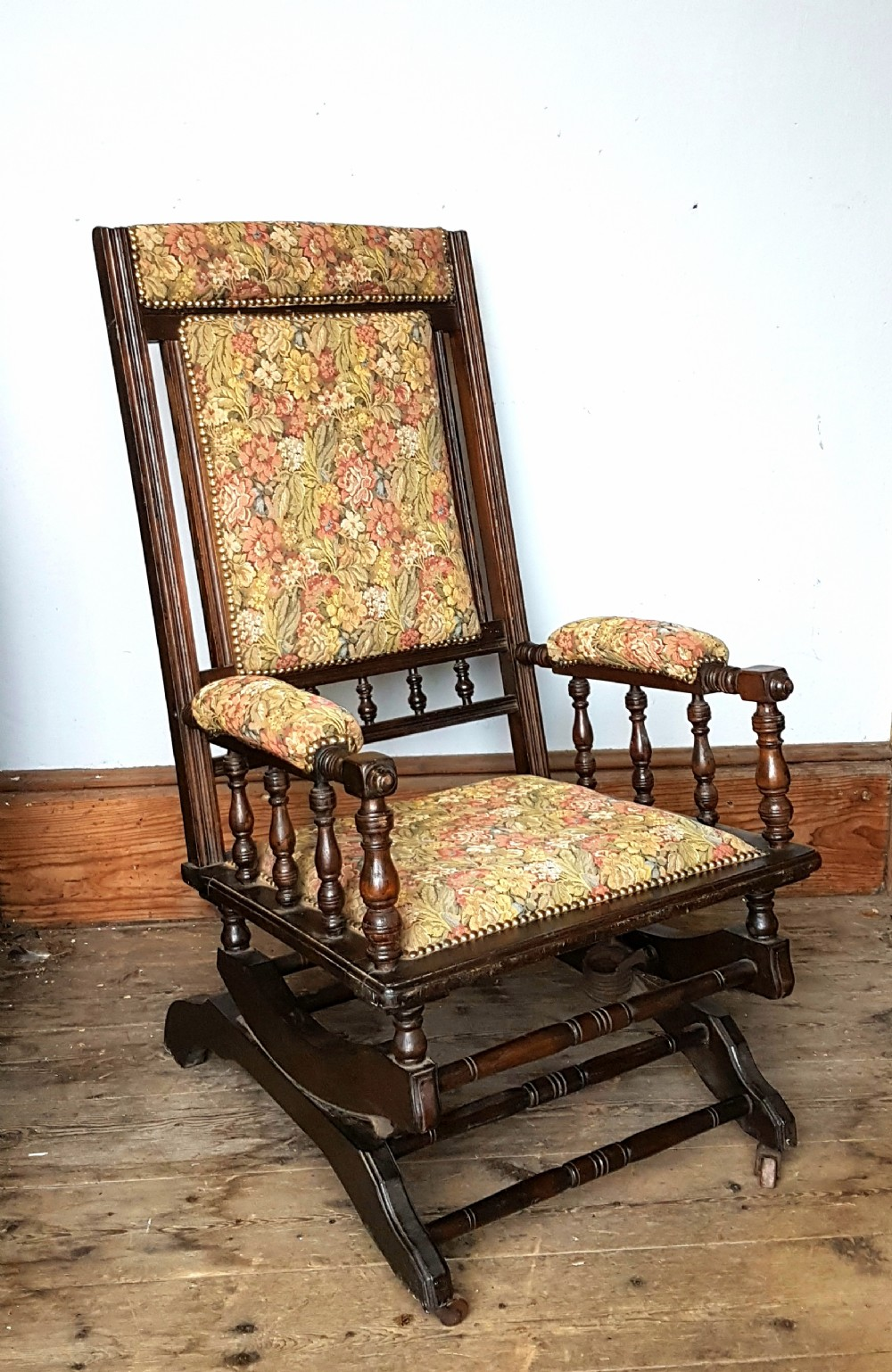 Early Th Century American Rocking Chair