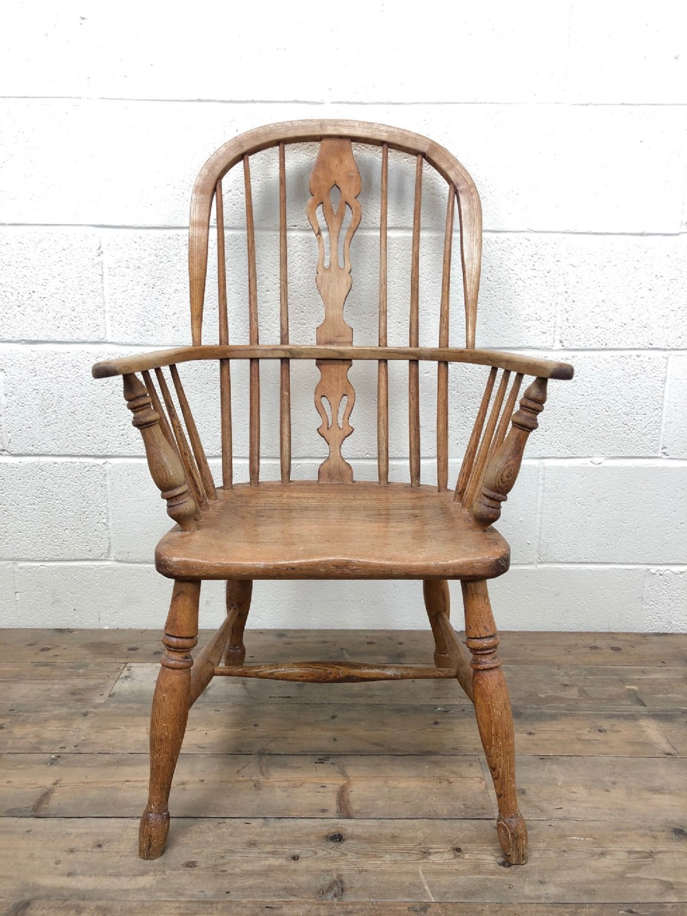 19th century ash and elm windsor armchair