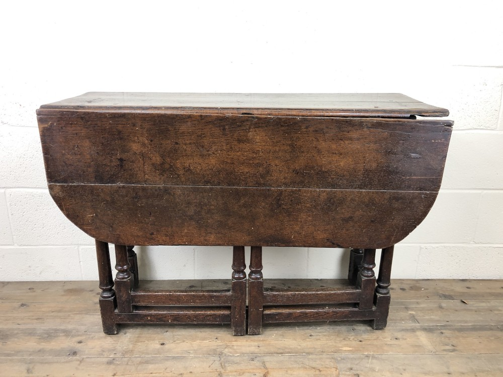 early 18th century oak gate leg table