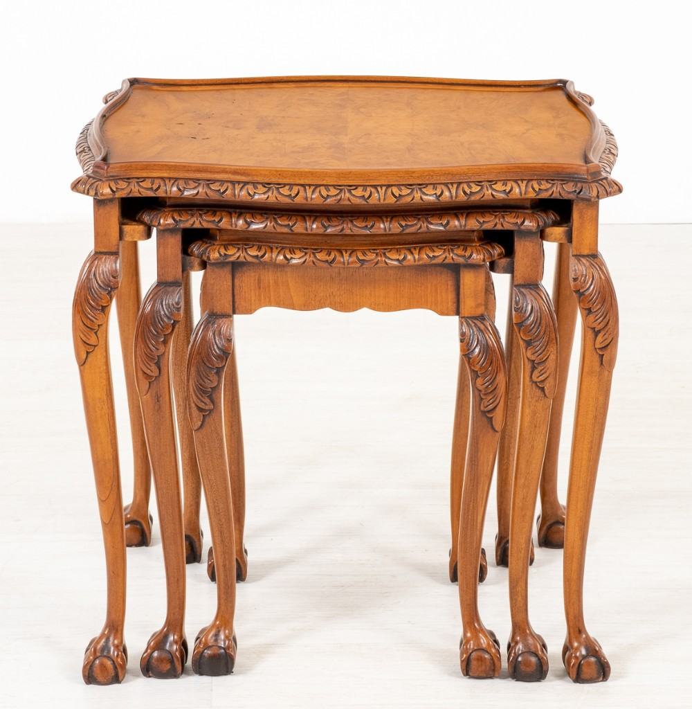 pretty walnut queen anne style nest of 3 tables