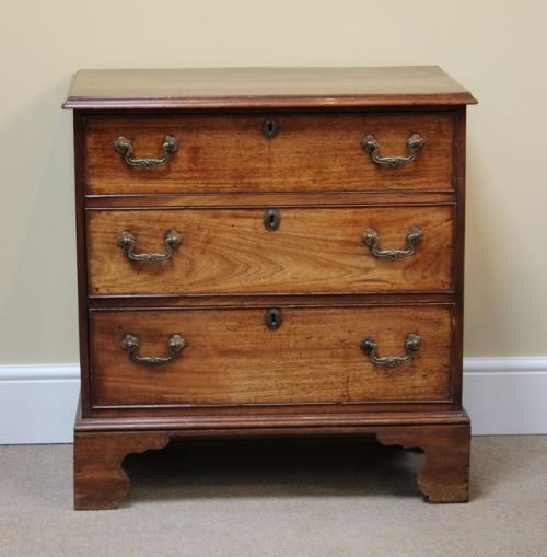a lovely small georgian chest of drawers