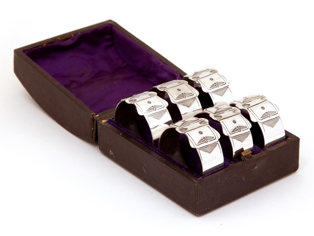 late victorian set of six silver plated belt and buckle style napkin rings