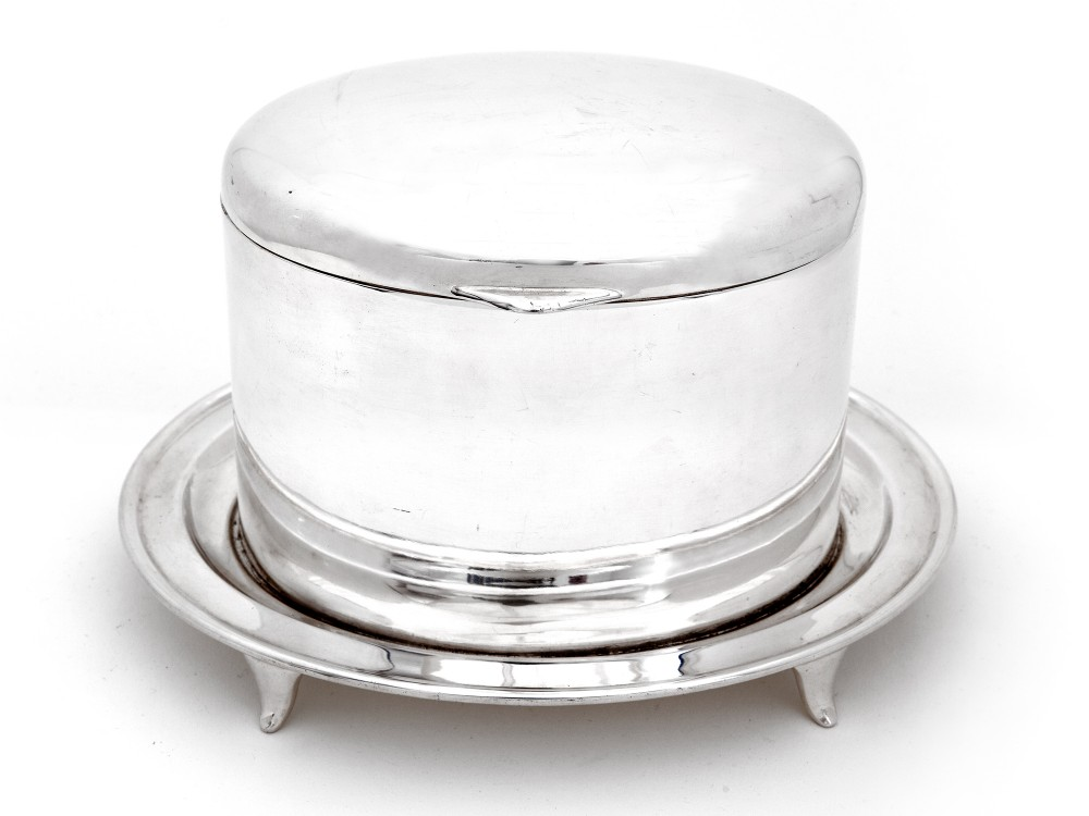 walker hall silver plated trinket or biscuit box with a domed hinged lid
