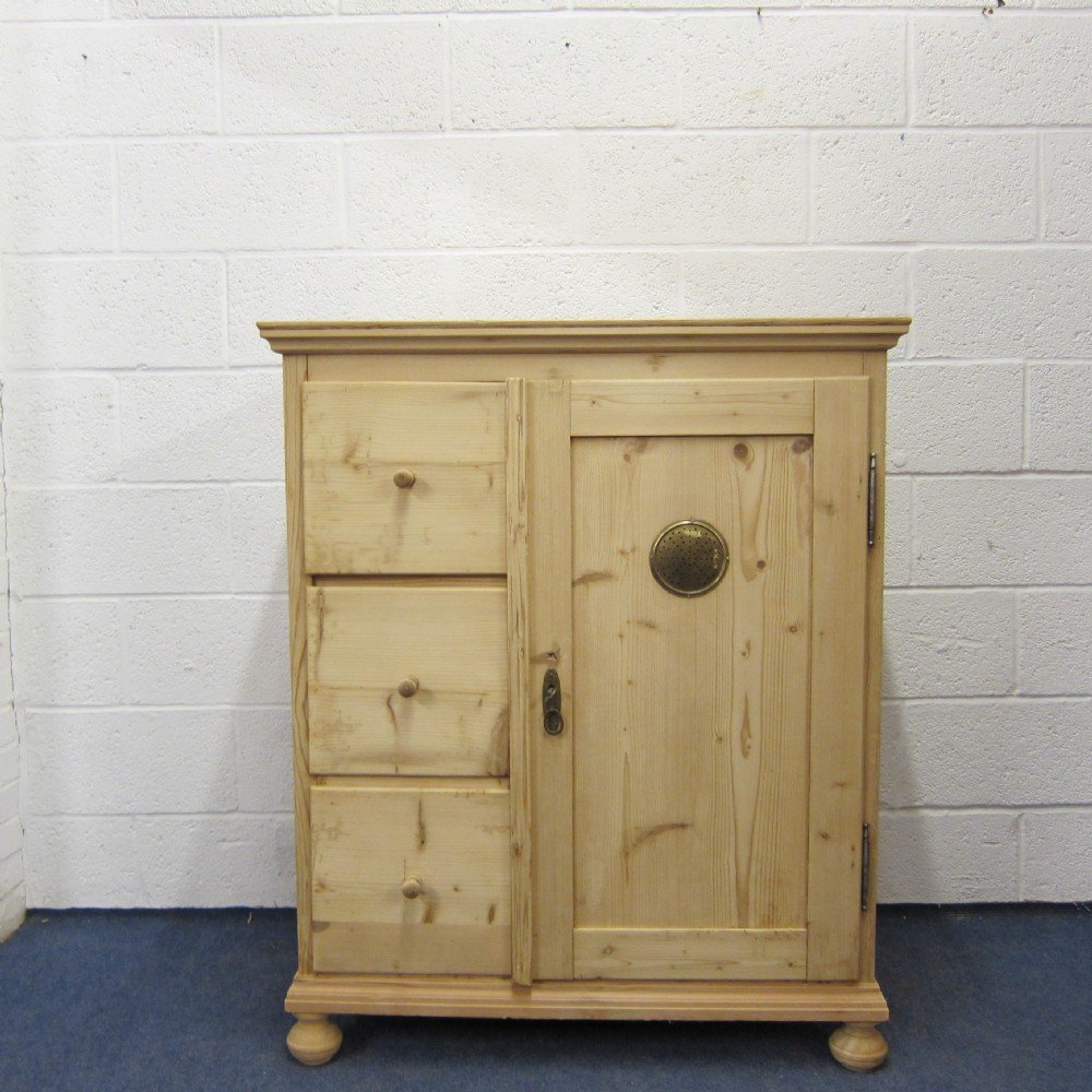 small antique pine larder cupboard 3 drawers - Small Antique Pine Larder Cupboard - 3 Drawers 305079