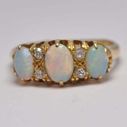 4d644fff7d0 Antique Rings - The UK's Largest Antiques Website