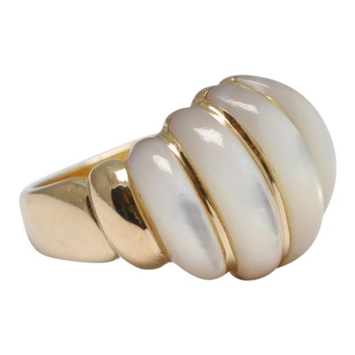 14ct gold mother of pearl bomb ring