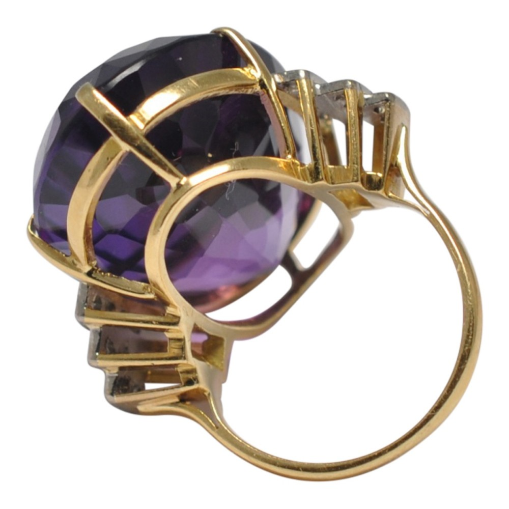 2a1d11b0e80c5 Amethyst Diamond 18ct Gold Cocktail Ring | 641431 | Sellingantiques ...
