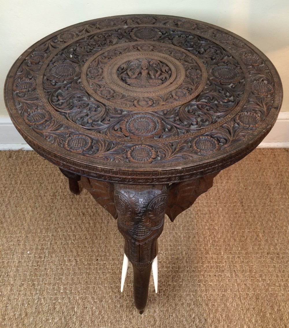 Charmant An Indian Carved Teak Circular Elephant Table Bombay C 1910