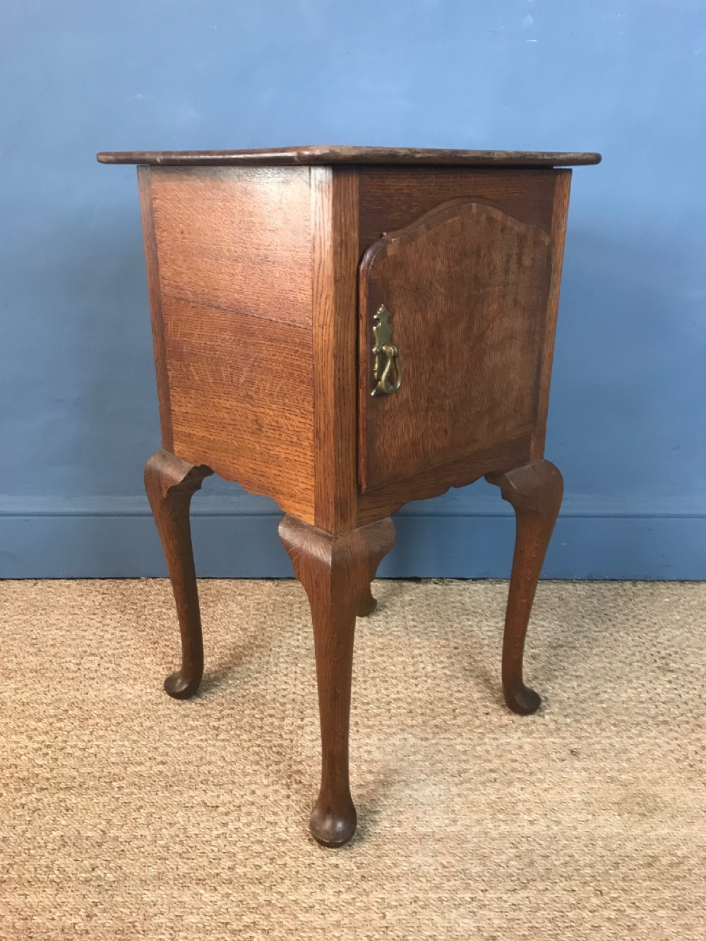 a late victorian oak bedside table c 1890 by gillows of lancaster in 18th c style
