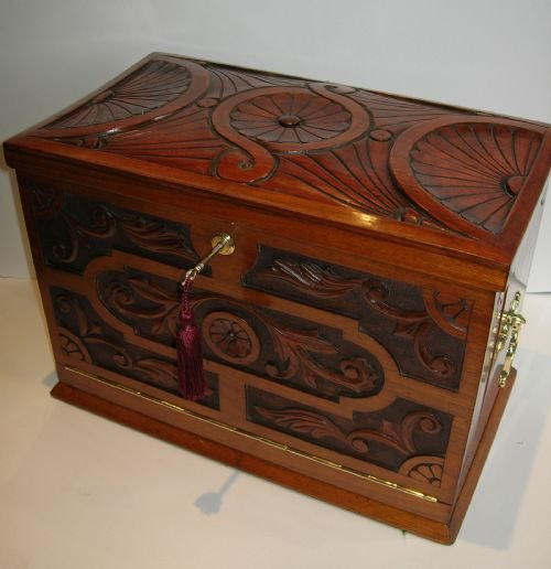Grand top notch antique stationery cabinet writing box c
