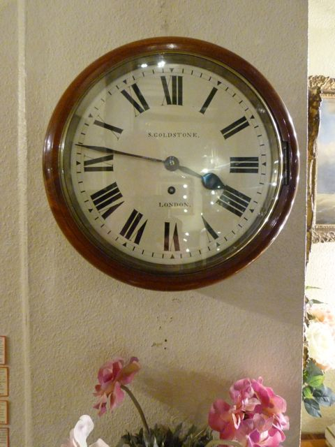 Bathroom Wall Clocks: A Good Small 10-inch Diameter Wall Clock