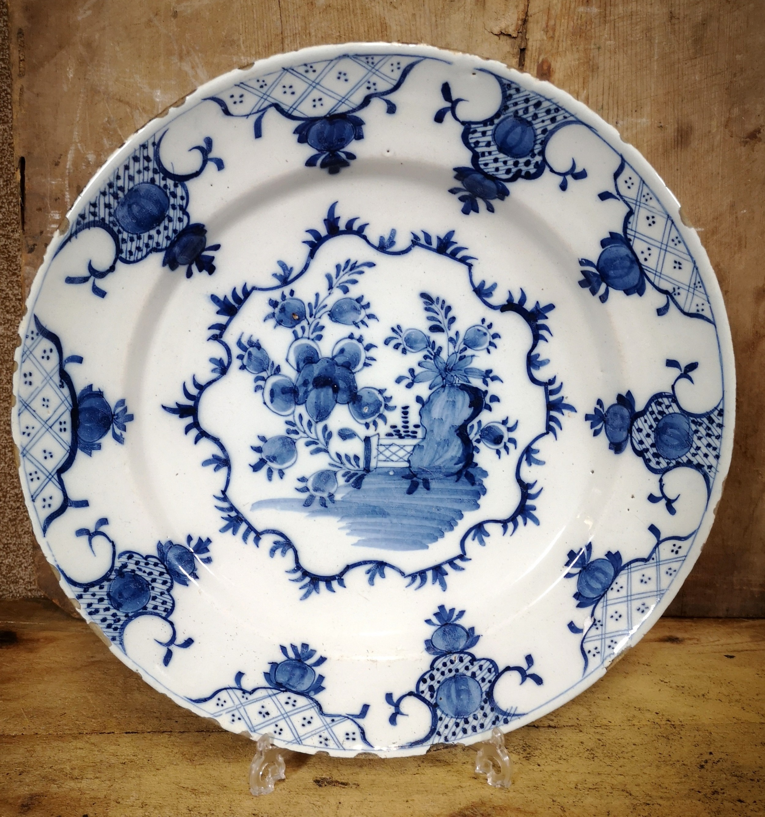 18th century english blue and white delft charger plate