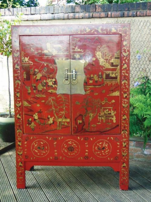 chinese red lacquer and gilded wedding cabinet 19th century - Chinese Red Lacquer And Gilded Wedding Cabinet 19th Century 487394