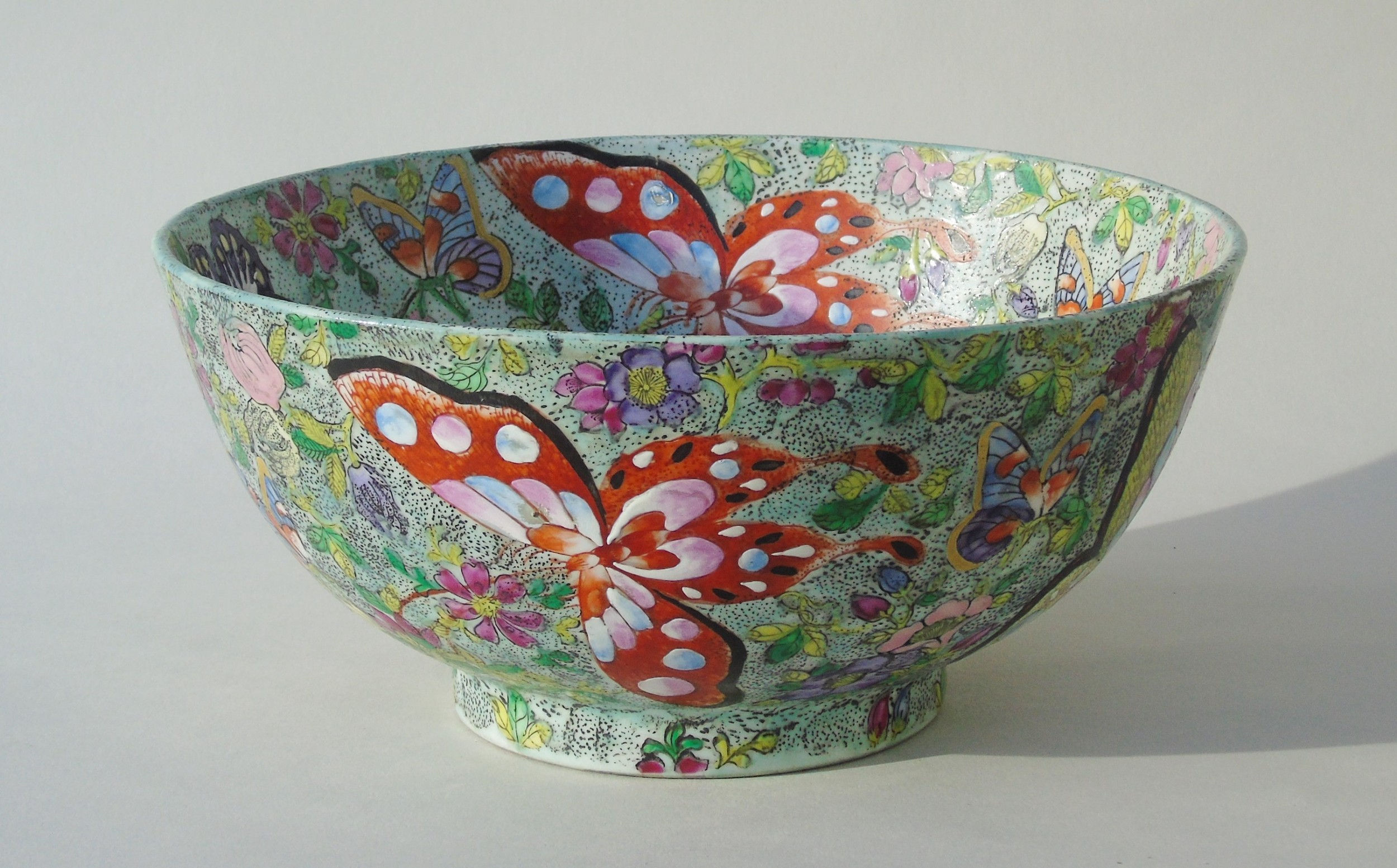 antique chinese porcelain bowl with butterflies famille rose