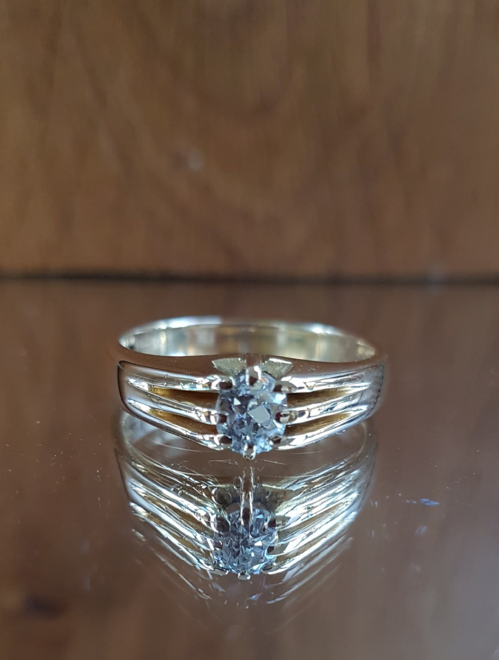 stunning heavy 18ct gold 070ct old cut solitaire diamond ring free sizing