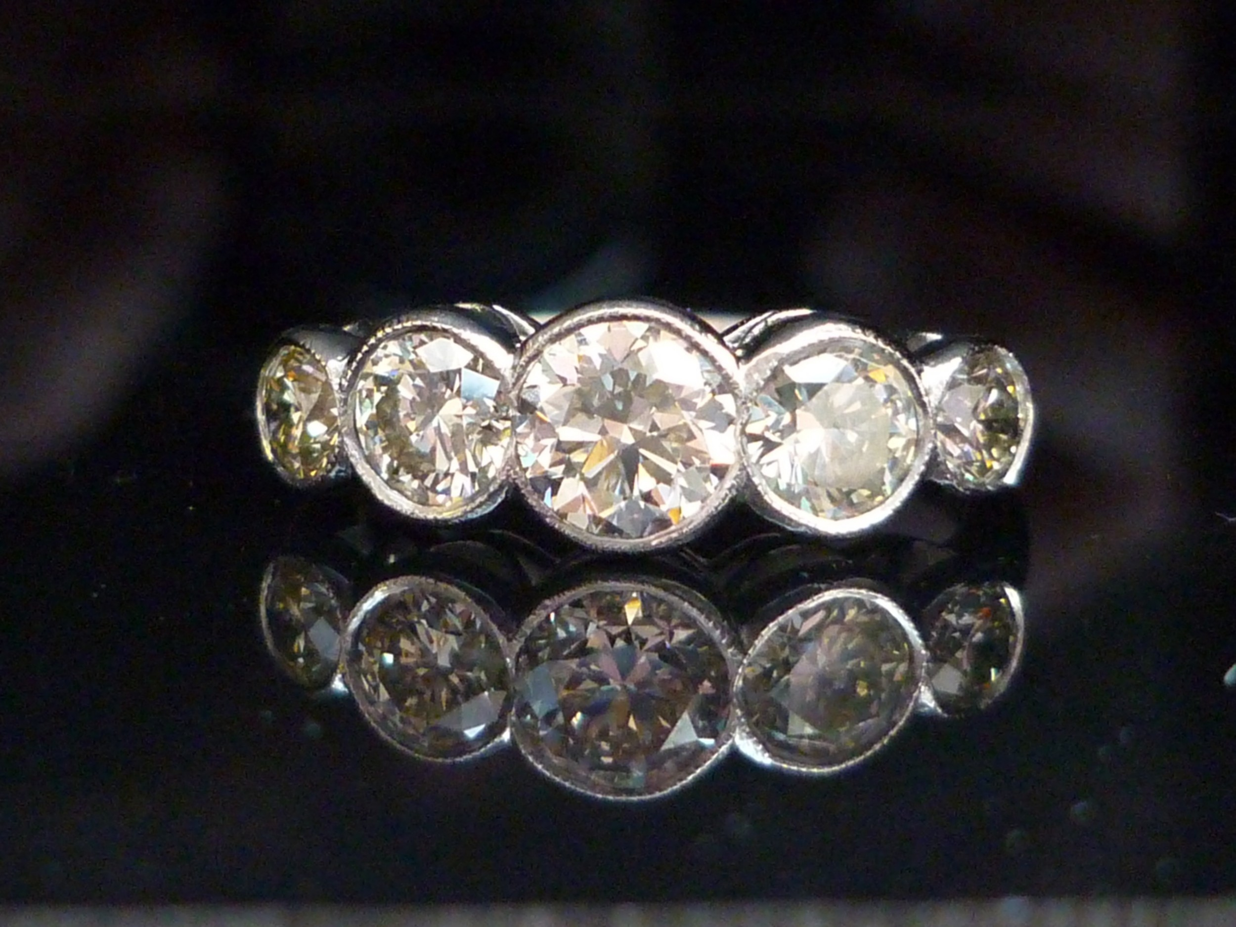 e689a4fa9b726 Stunning Exquisite Platinum 2ct Collet Set Old Transition Cut 5 ...