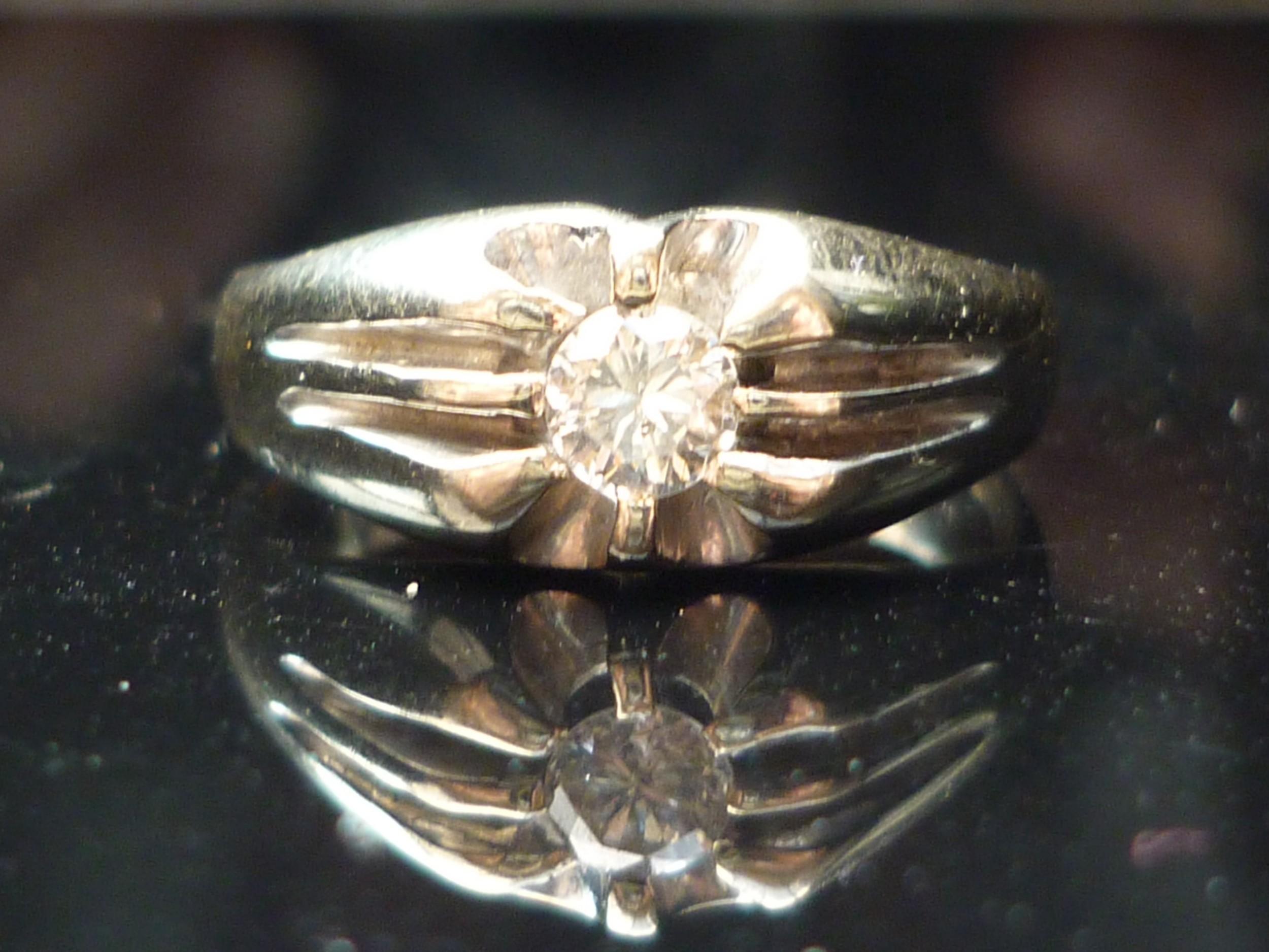 stunning heavy 18ct white gold brilliant cut solitaire 025ct diamond ring