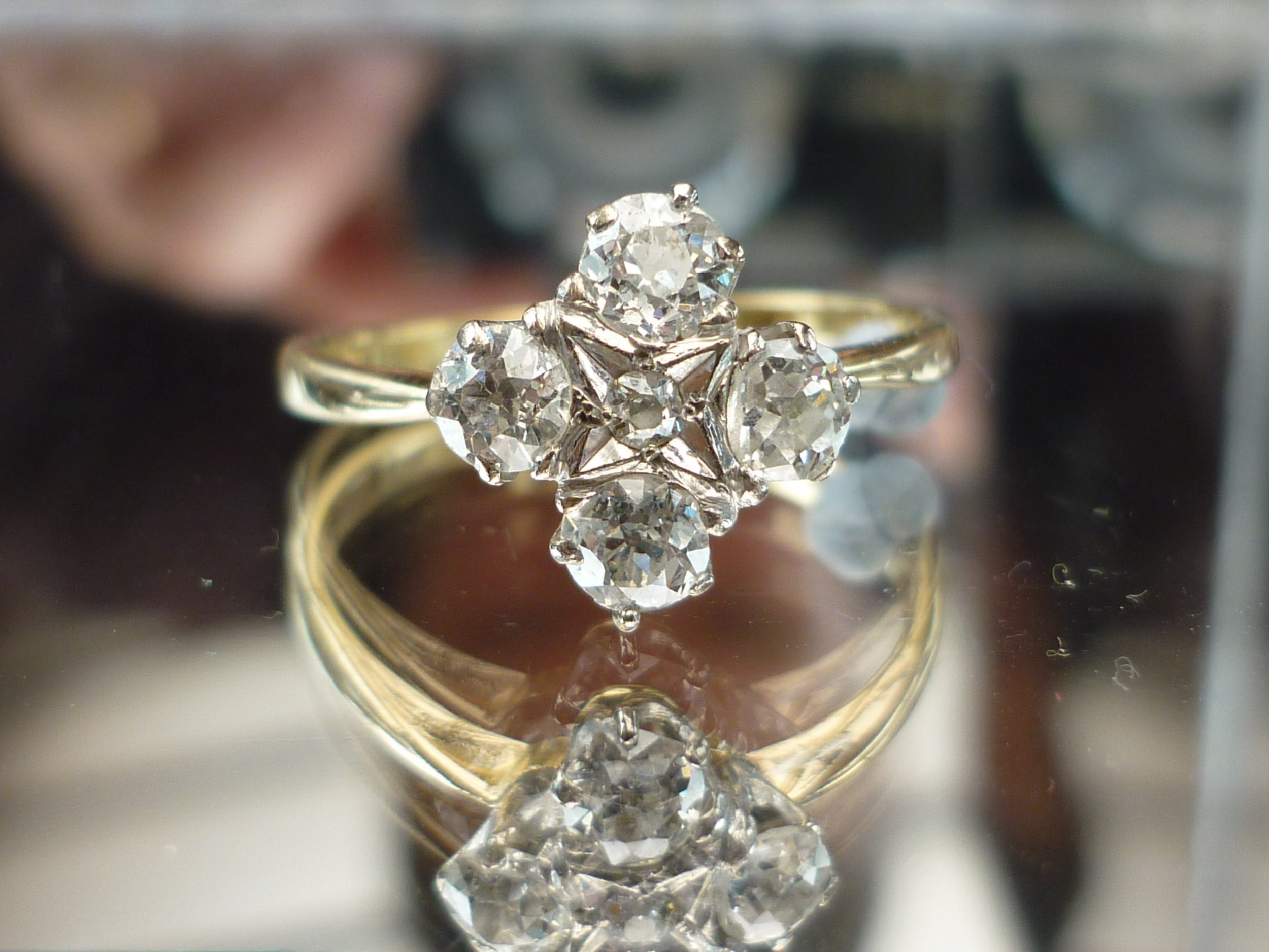 stunning 18ct gold 080ct 4 old cut diamond cluster ring investment