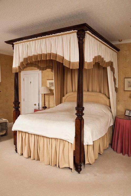Antique Beds The Uk S Largest Antiques Website