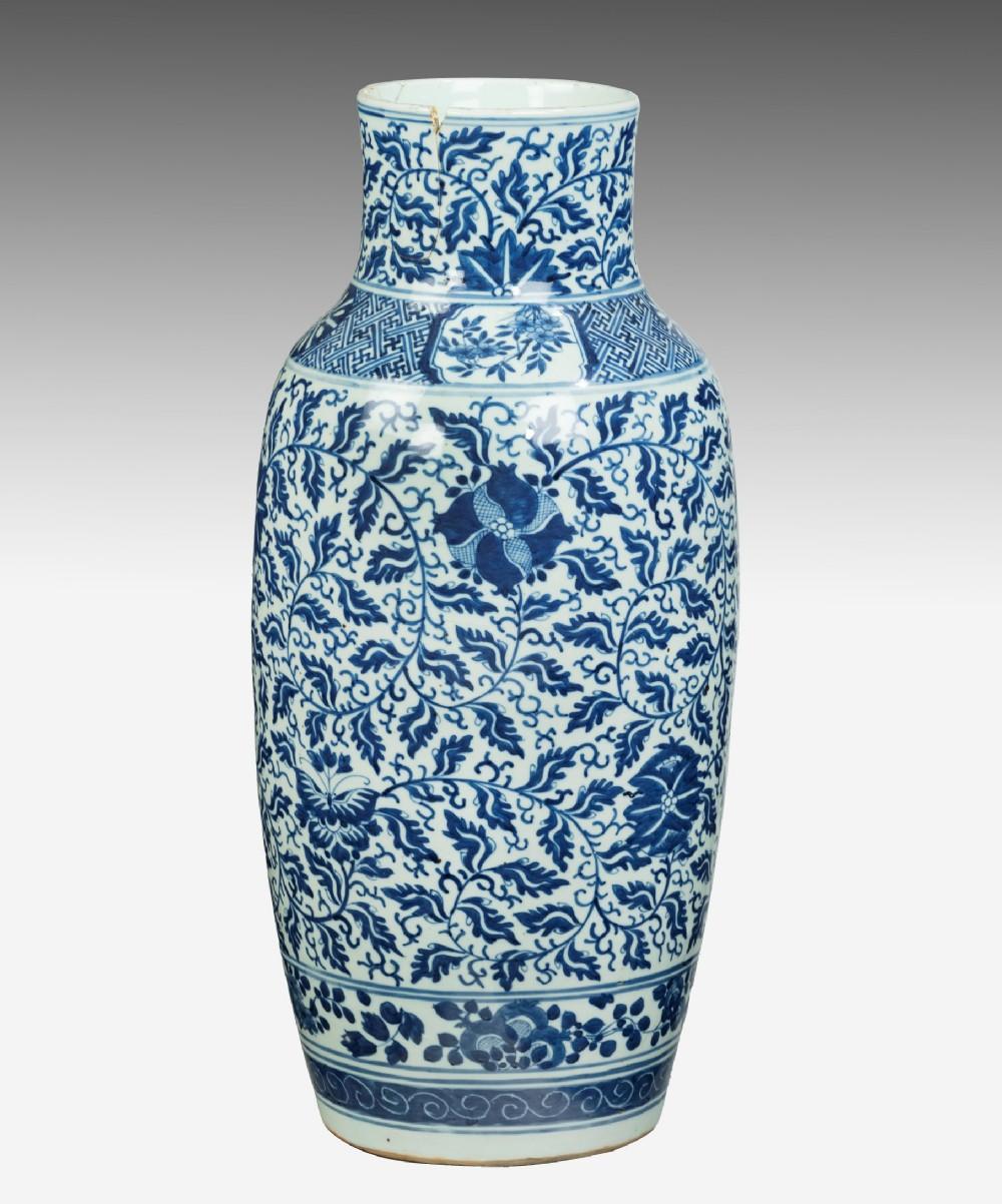 large chinese 19th century blue white vase