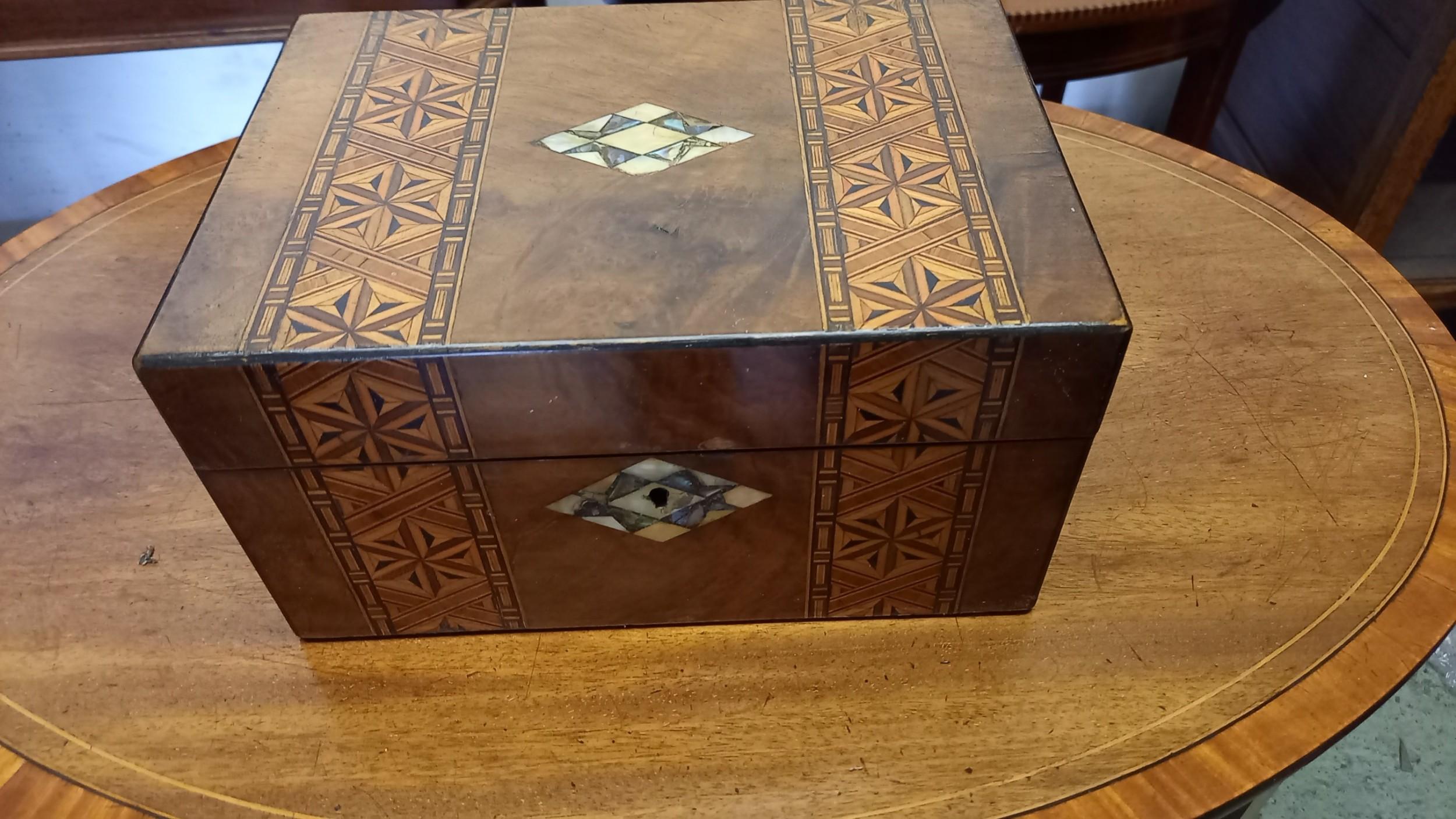 victorian walnut inlaid trinkettable box