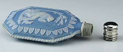 c1800 wedgwood jasper ware scent perfume bottle - photo angle #2
