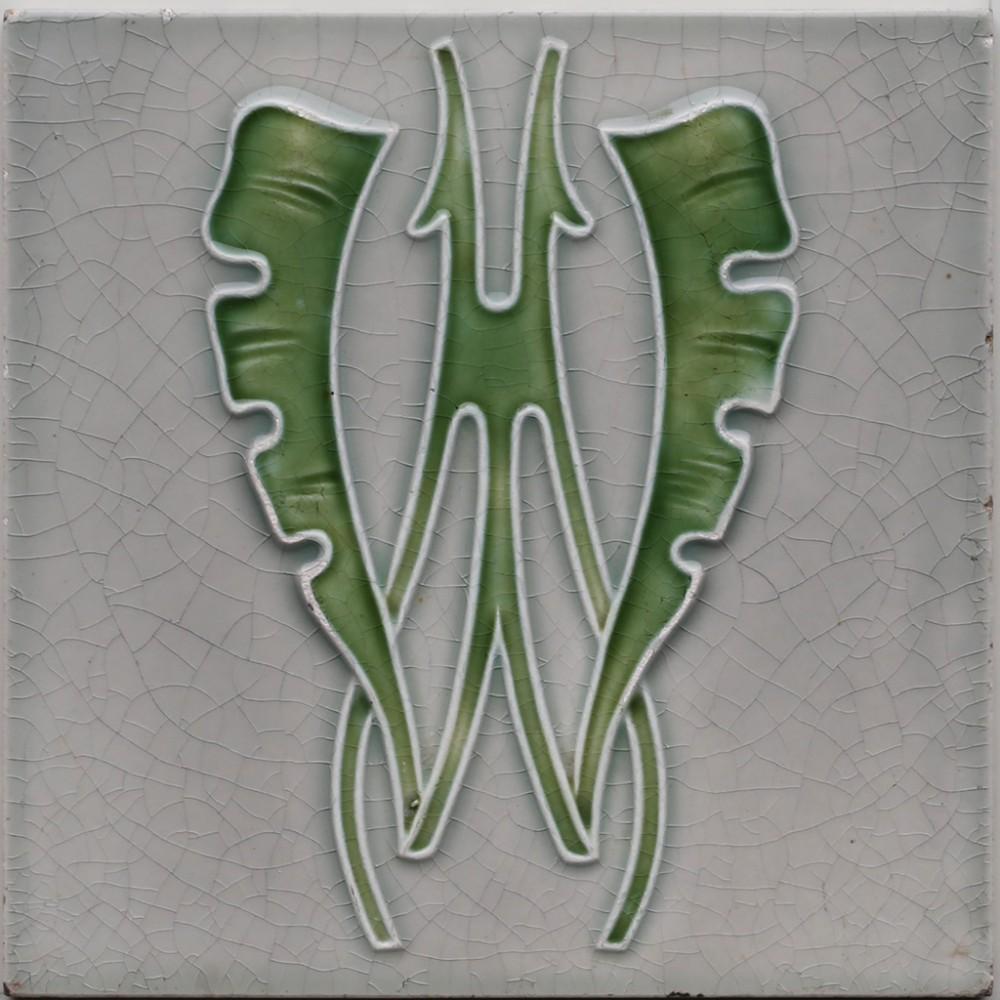 c1905 mopf german art nouveau stylised leaf tile