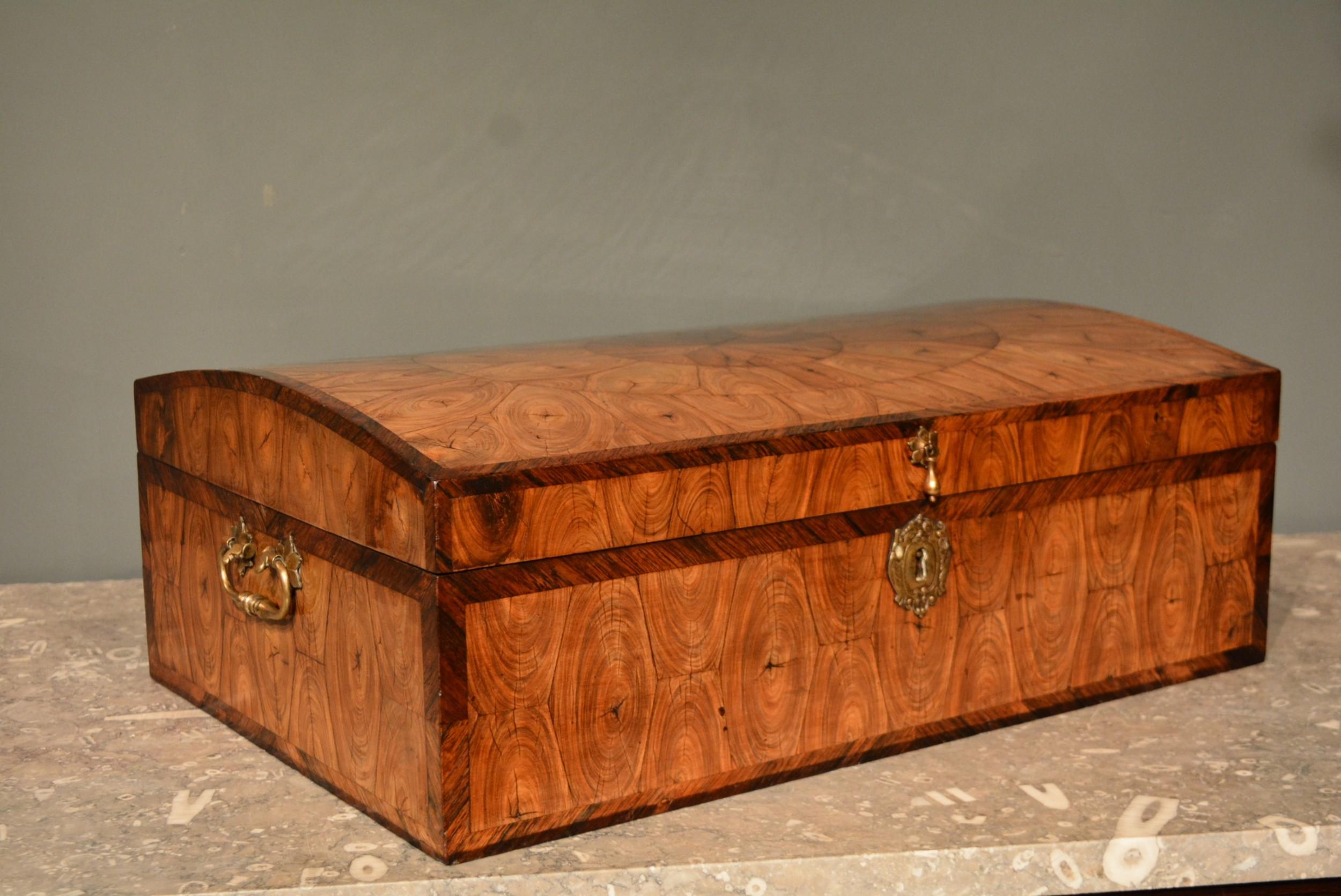 17th century kingwood oyster veneered casket