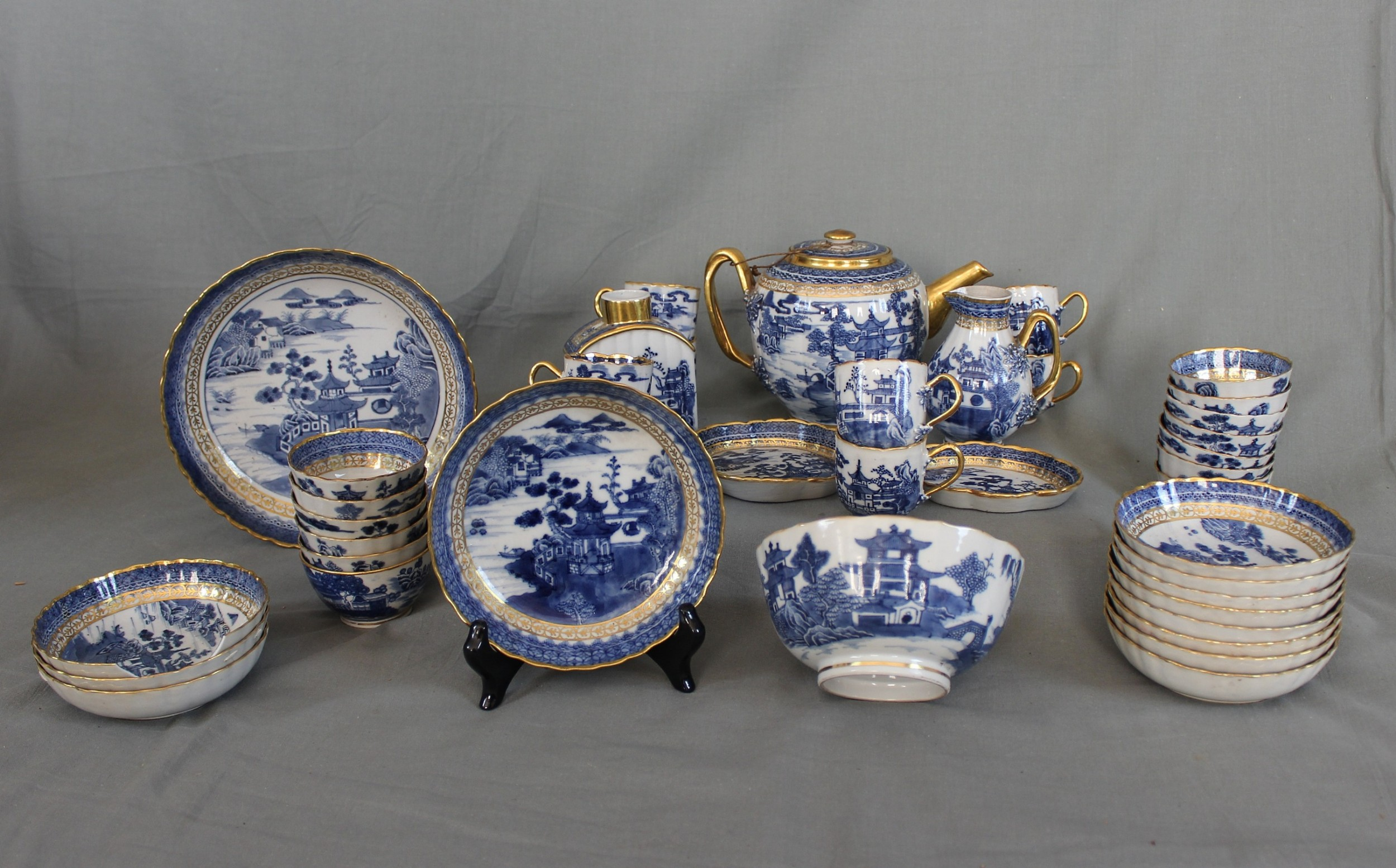 18th century chinese porcelain tea service 39 pieces
