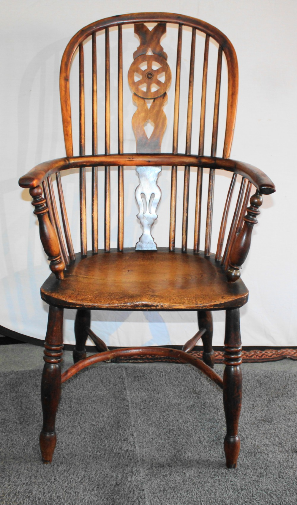 early 19th century yew wood and elm windsor chair