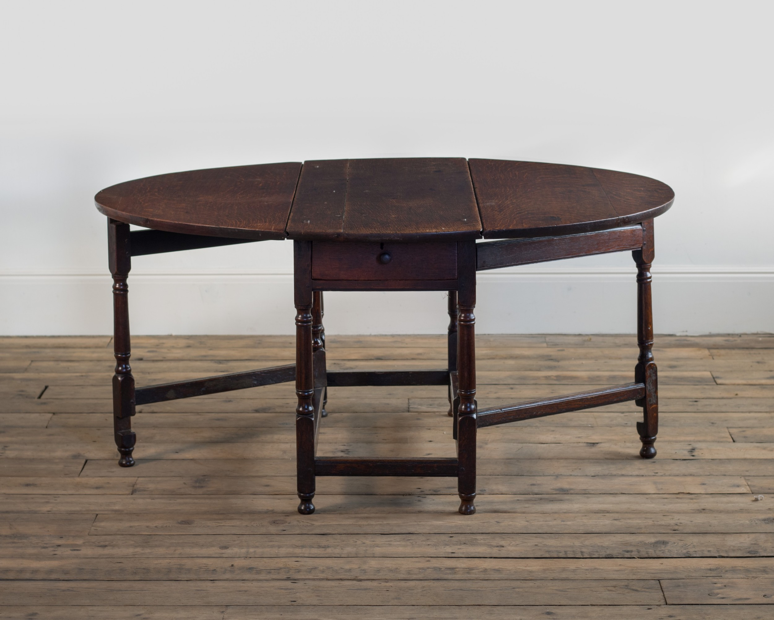 an early 18th century oak gate leg table