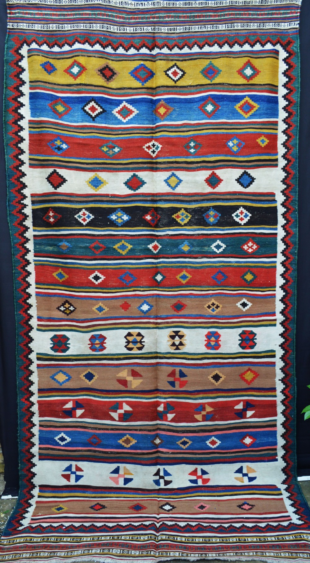 antique kilim qashqa'i tribes fars province southwest persia