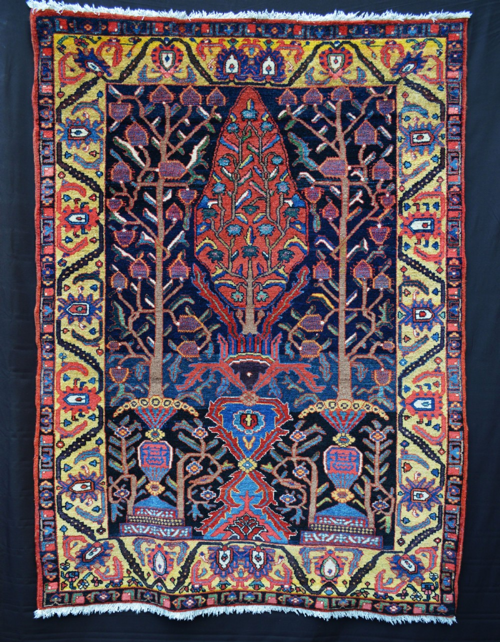 antique bakhtiari khan rug the chahar mahal western persia