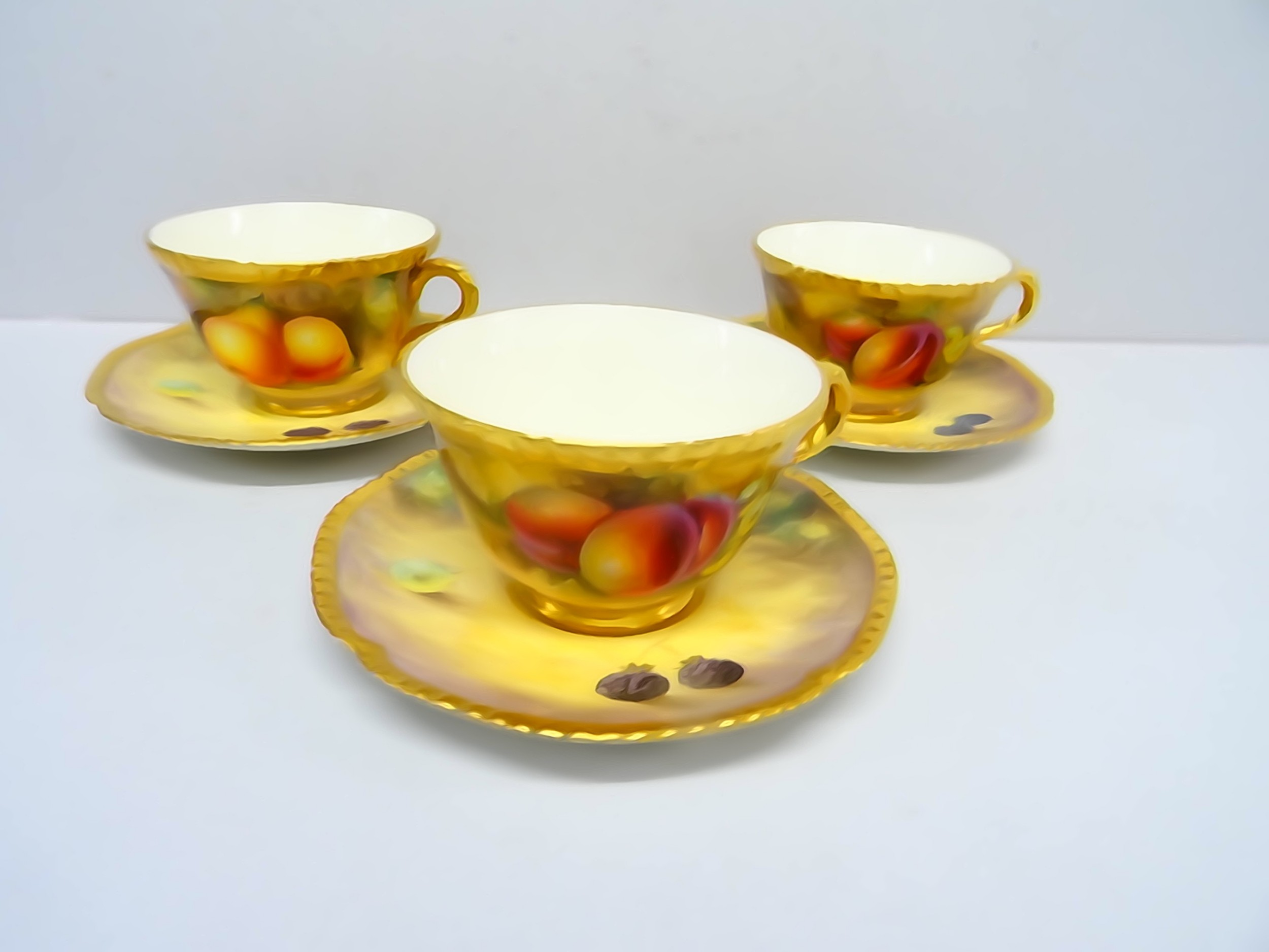 royal worcester fruit cups and saucers