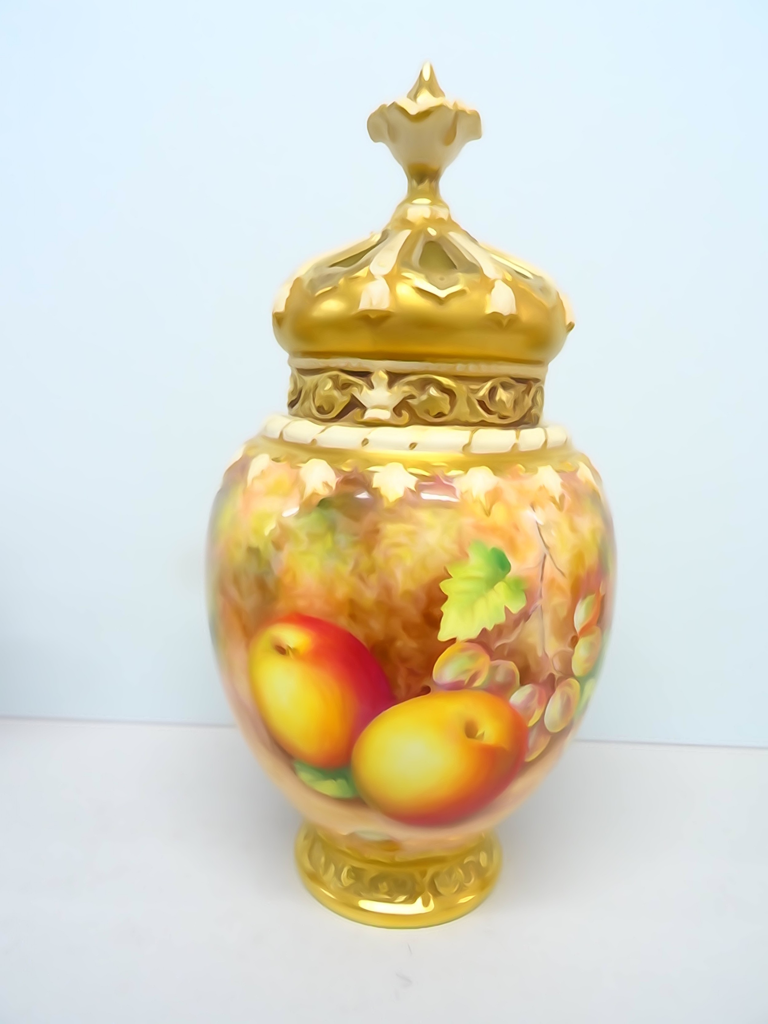 royal worcester freeman small crown top