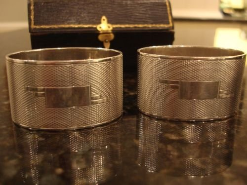 sheffield 1937 solid silver hallmarked exceptional quality large and heavy art deco period pair of napkin rings in the original fitted case