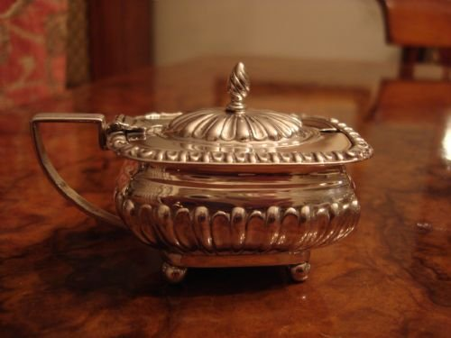birmingham 1900 solid silver mustard pot by famed makers heath and middleton