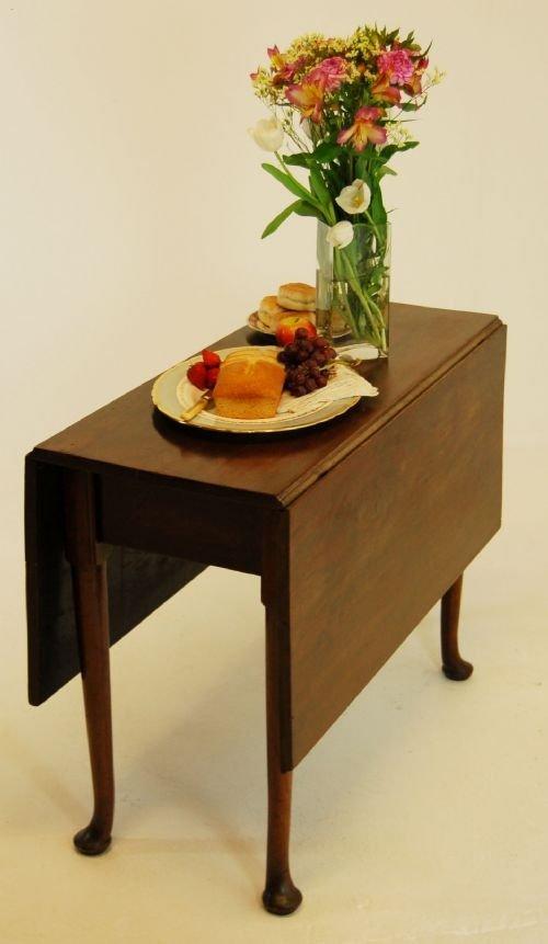 Pembroke Table Drop Leaf Dining Mahogany Folding C1750  : dealersgthingsfull1287413248750 3386529802 from www.sellingantiques.co.uk size 500 x 861 jpeg 41kB