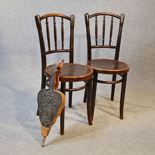 art deco thonet bentwood pair of kitchen dining cafe chairs embossed seat c1930 203119. Black Bedroom Furniture Sets. Home Design Ideas