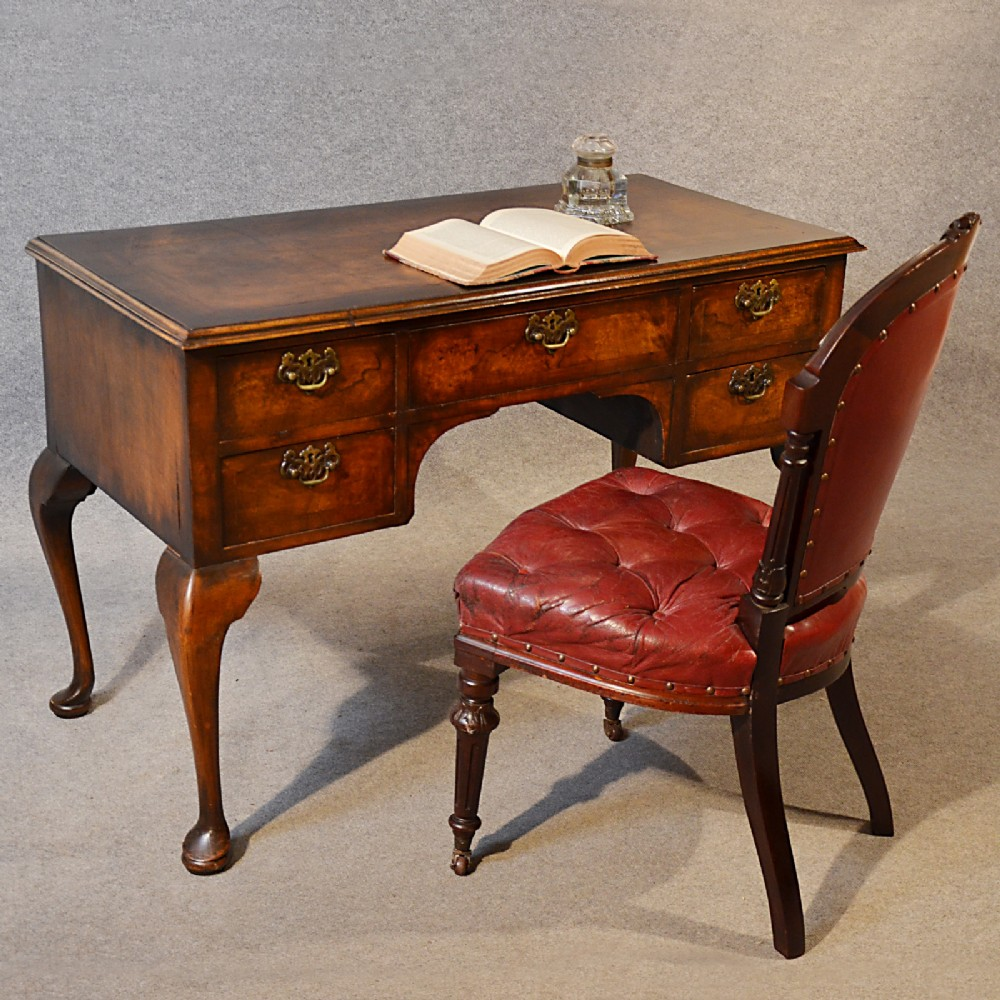 Antique Desk Victorian English - 262.5KB